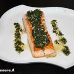 Salmone grigliato alla salsa verde