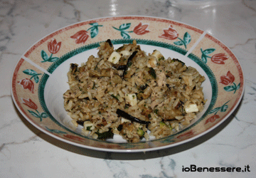 Insalata di riso integrale e verdure grigliate