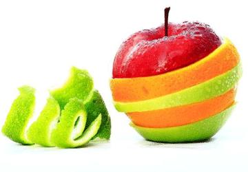 Come mangiare la frutta? Buccia si, buccia no