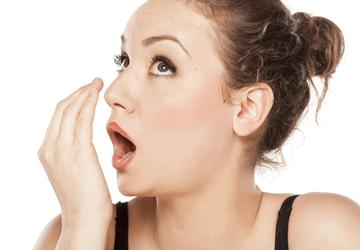 Alito cattivo: rimedi efficaci per il tuo problema di alitosi